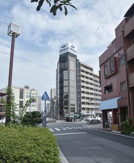 オフィスビルのようなスタイリッシュな外観 広島中区のデザイナーズDOLCE竹屋町