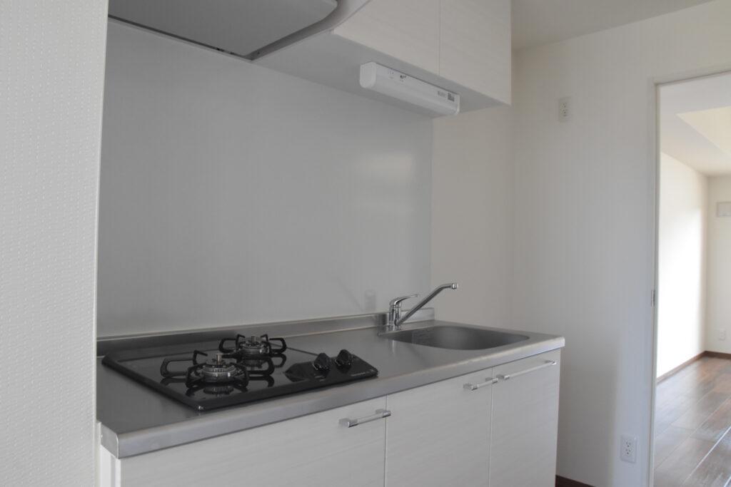 清潔感のあるホワイトのキッチン