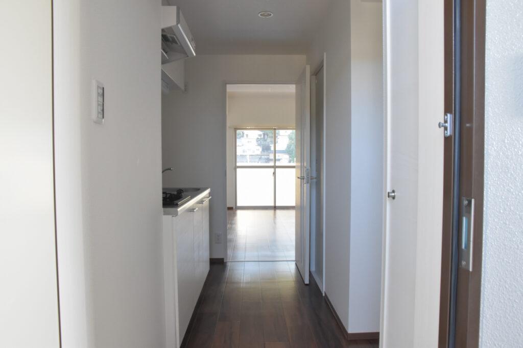 広島市東区牛田の新築賃貸マンション「ビーズヒルズ ステージ」の玄関