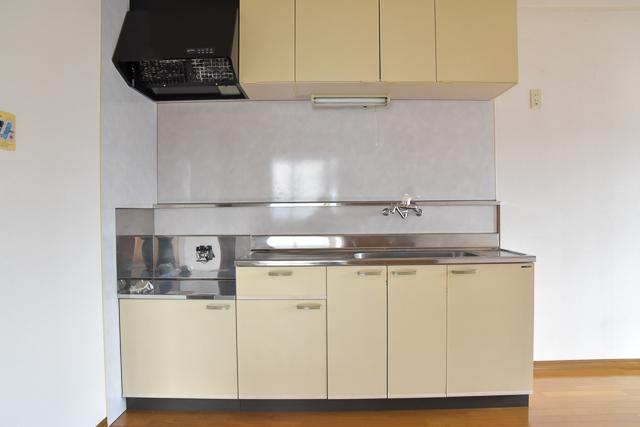 プレーンで使いやすいキッチン