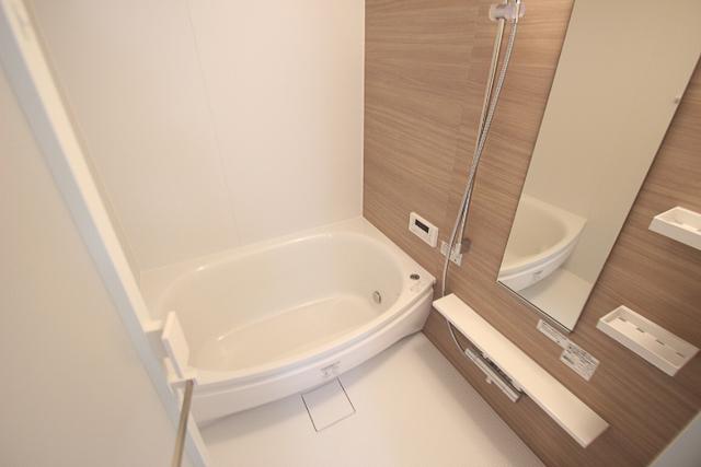 ゆとりのあるバスルーム